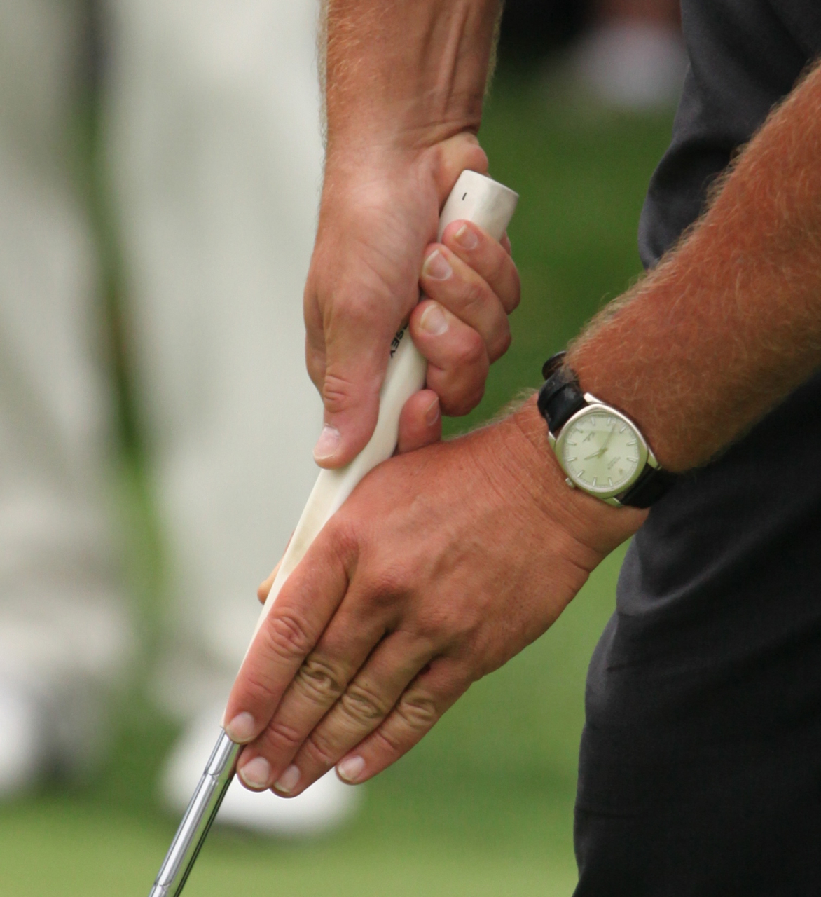 Phil Mickelson's claw putting grip