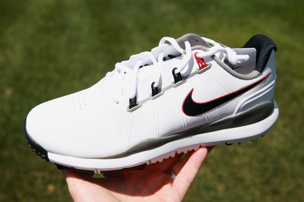 ... Nike Golf TW x27 14 Men x27 s White Black  tiger woods 14 shoes . d53efee792e