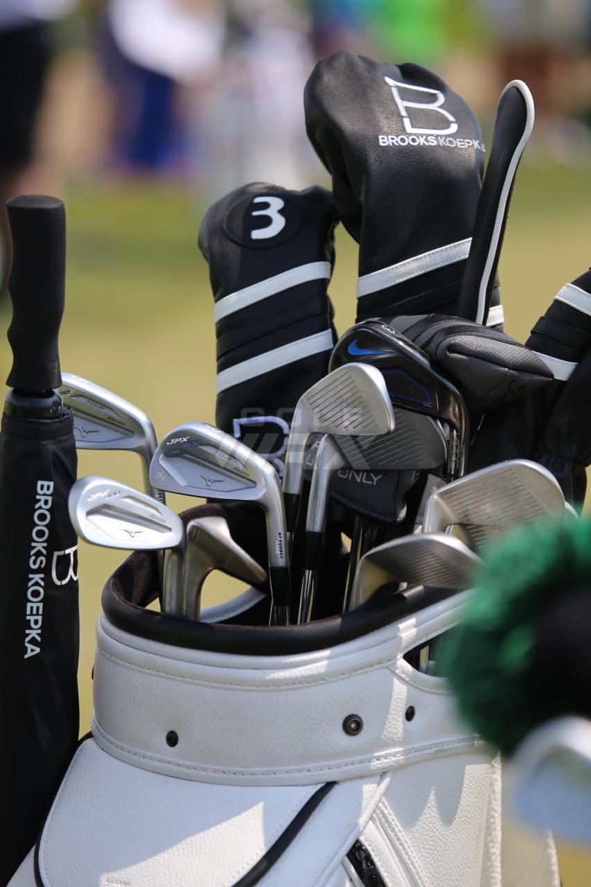 Koepka_clubs_US_open