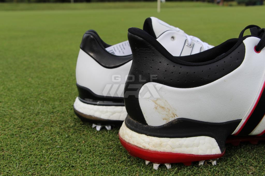 Tour360 Boost's S-Curve (foreground) vs. the new Tour360 heel shape