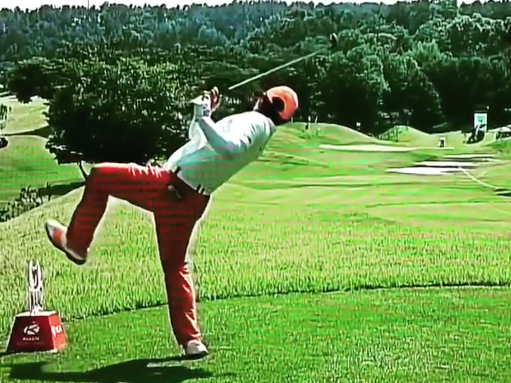 Pro Golfer Hosung Choi Has The Most Ridiculous Golf Swing