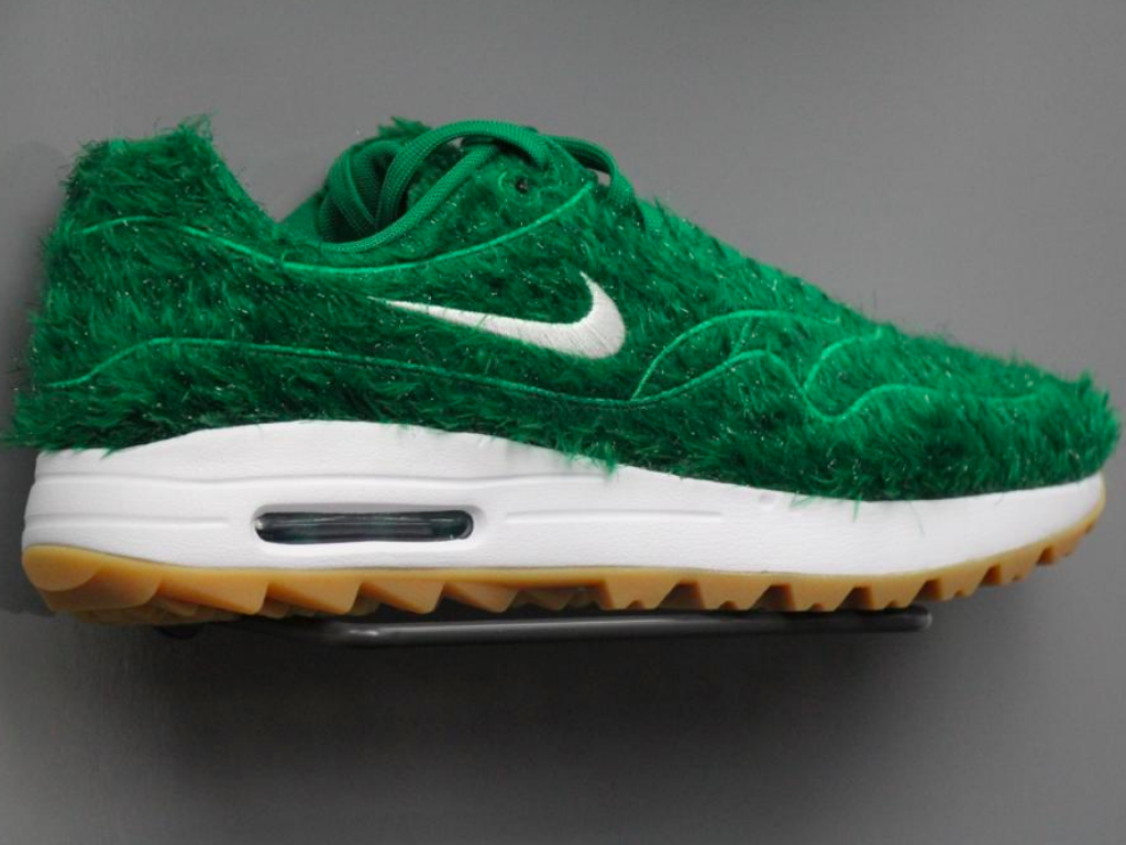 """5653f79de118 Forum Thread of the Day  """"Nike s custom shoes for Waste Management Open"""""""